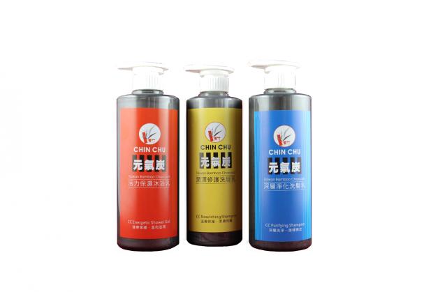 青竹竹炭潤澤修護洗髮乳 2